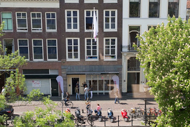 Thumb canal apartment utrecht c surrounding
